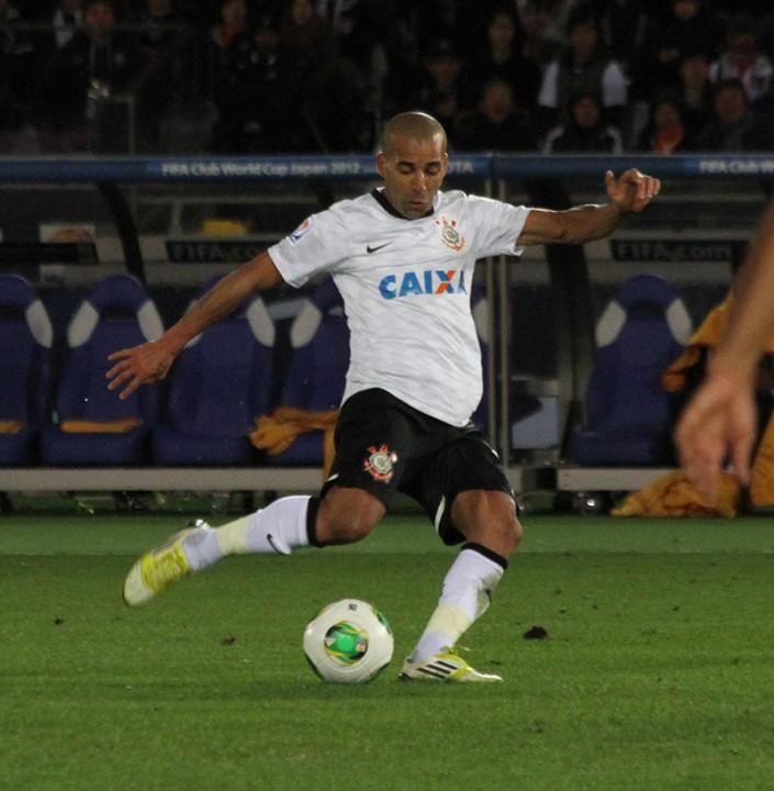 Emerson_2012_FIFA_Club_World_Cup