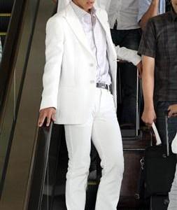 日本のエース!本田圭佑のド派手な空港登場ファッションまとめ