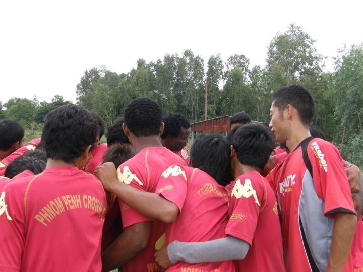 カンボジア:クラウンへ練習参加
