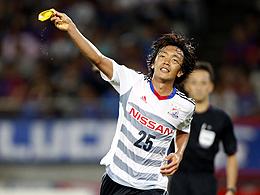 【動画】横浜F・マリノス中村俊輔のハンパない連続切り返しからのスーパーゴール