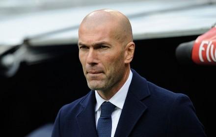 レアル監督に就任。クリロナにもFK対決で勝っちゃうジダンはやっぱりすごい!